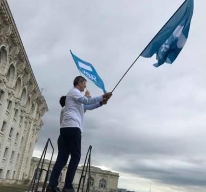 Theworldnews: LIVE Mii de oameni cer demisia Guvernului