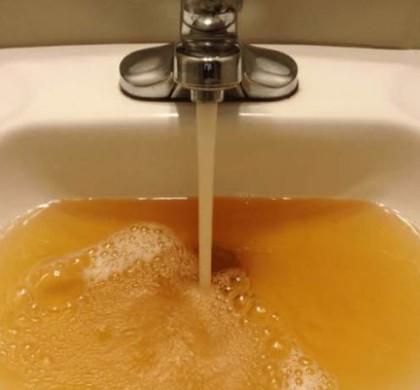 Antena1: Sănătatea noastră este în pericol! ,,La robinet curg bacterii, apa nu este potabilă.